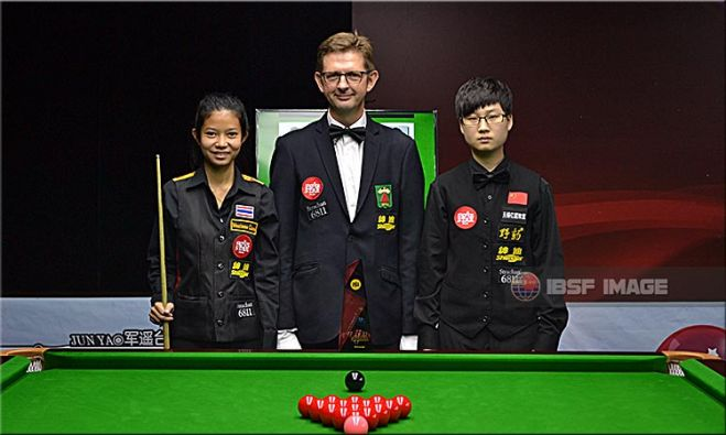 Yuying Xia (China); Nutcharat Wongharuthai (Thailand) and Referee incharge Bart Tournel from Belgium